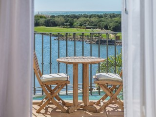 Lake Spa Resort_Deluxe Room Panoramic View
