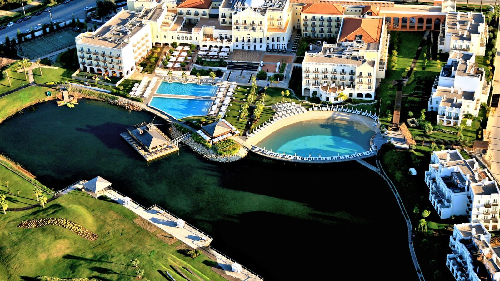 Lake Spa Resort