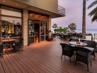 Columbia Beach Resort Seven C's Bar