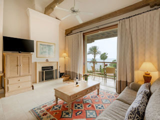 Columbia Beach Resort Executive Suite Sea View with Fireplace