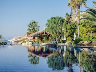 Columbia Beach Resort Poseidon Pool Bar