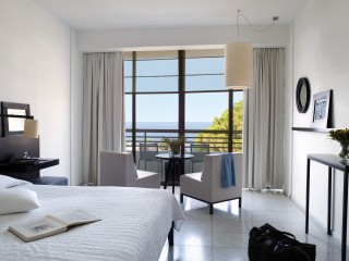 Junior Suite and Veranda Sea View (interconnecting)
