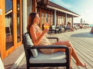 Aqva Bar, Lily Beach