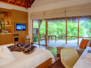 Beach Bungalow with Pool, Huvafen Fushi