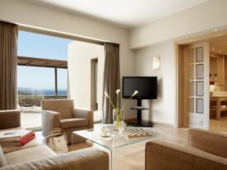 Daios Cove Suite