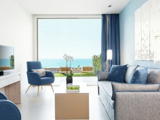 Deluxe One Bedroom Family Suite Sea View