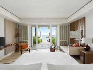 Junior Suite Hibiscus Beach Access Shangri-La Le Touessrok