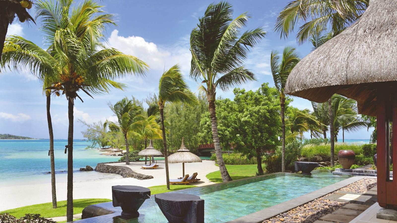 Beach Villa Shangri-La Le Touessrok