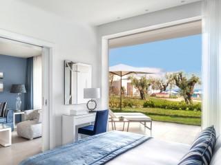 One Bedroom Bungalow Suite Private Garden, IKOS Olivia