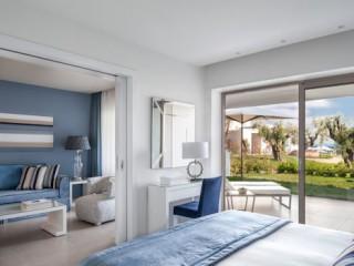 One Bedroom Bungalow Suite Balcony
