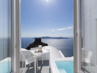 Honeymoon Suite at Grace Santorini