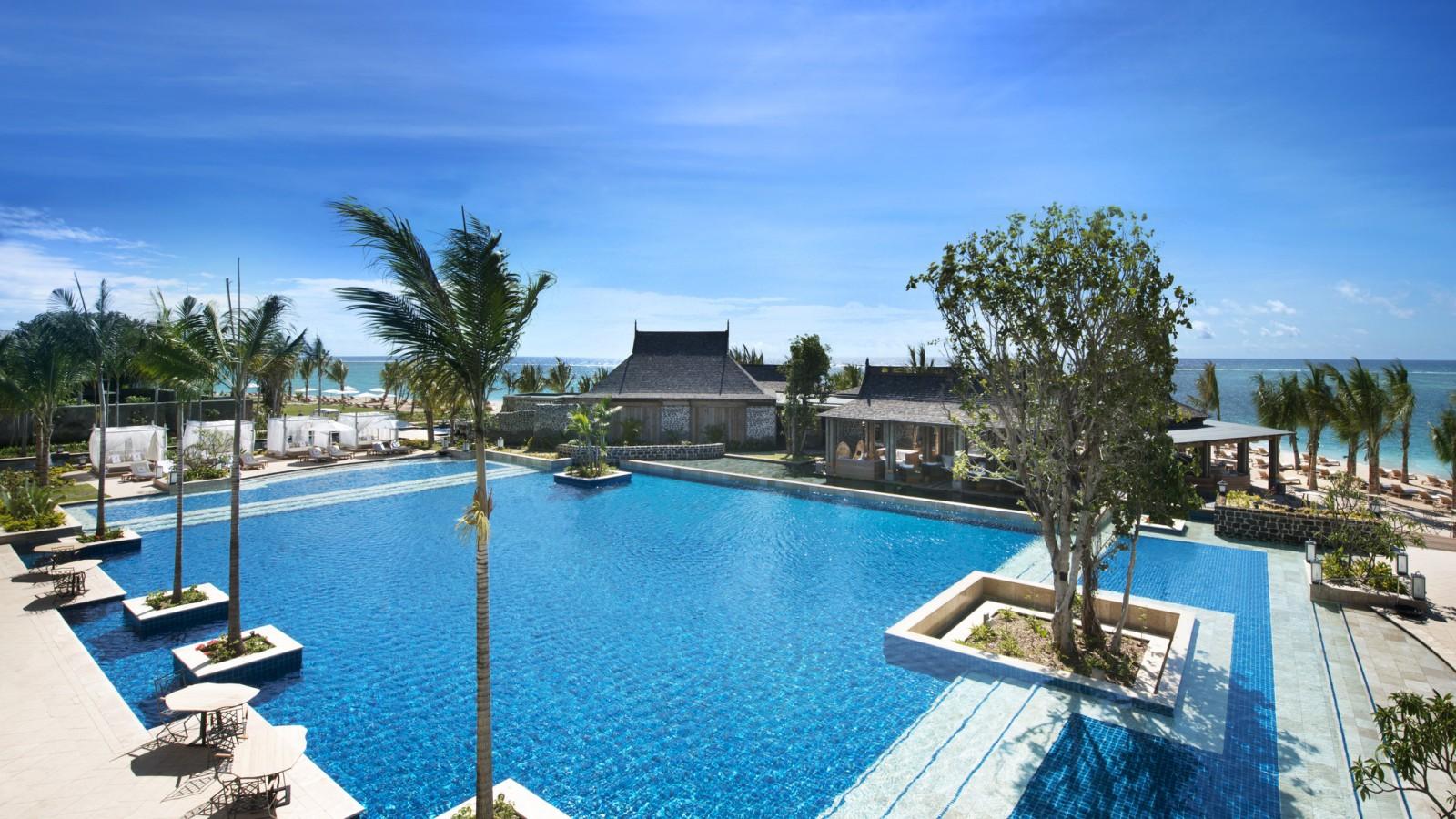 St Regis Mauritius_Swimming Pool