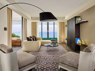 Parklane The Amphora Suite Sea View with a Private Pool
