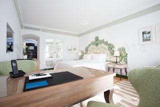 Pine Cliffs Hotel _ Grand Deluxe Queen Bedroom