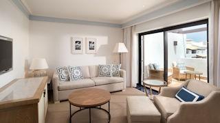 Pine Cliffs Hotel _ Junior Suite living room