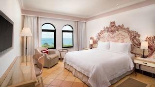 Pine Cliffs Hotel _ Duplex Suite Upper Level