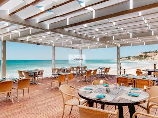 Pine Cliffs Mare Beach Restaurant