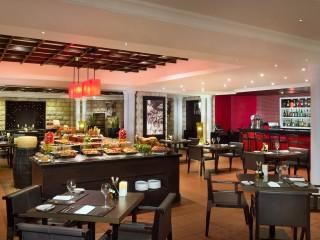 La Traviata restaurant, JA Palm Tree Court