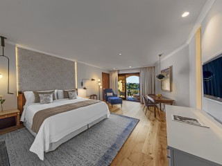 King Grand Deluxe Sea View Guest Room, St Regis Mardavall Mallorca