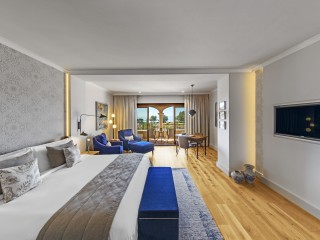 King Sea View Junior Suite, St Regis Mardavall Mallorca