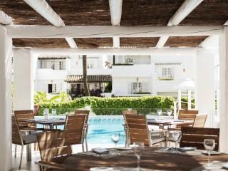 Puente Romano Marbella Pool Bar