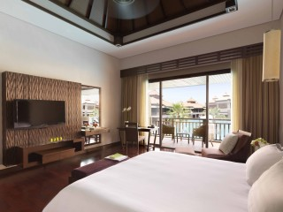 Premier Lagoon View Room, Anantara Dubai The Palm Resort And Spa