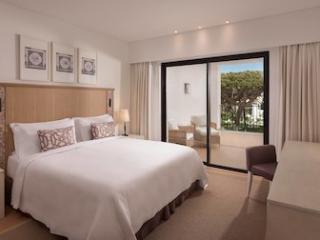 2 Bedroom Ocean Suite Pool View