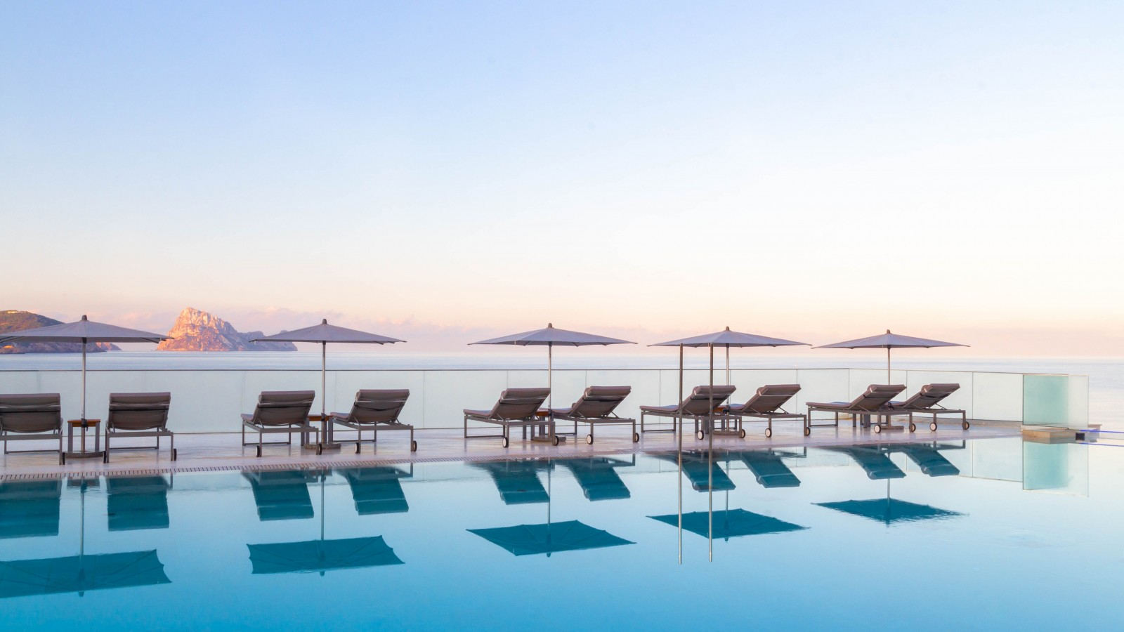 7Pines Resort Ibiza, Infinity Pool