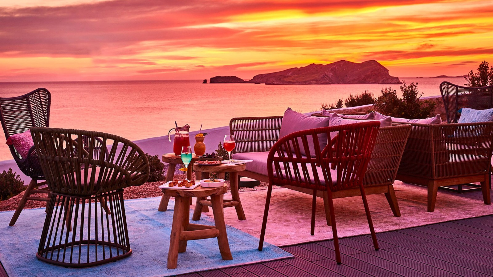 Cone Club Sunset 7Pines Ibiza