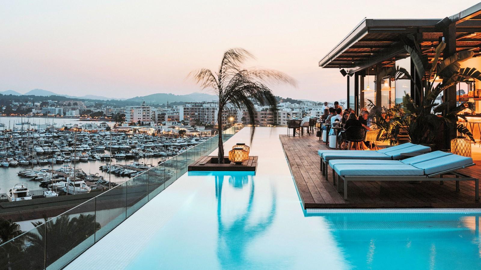 Infinity Pool Aguas de Ibiza