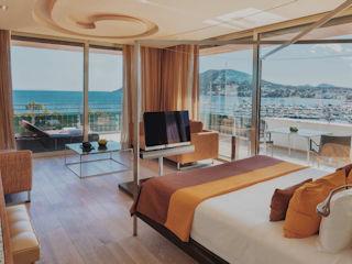 Cloud 9 Corner Suite Aguas de Ibiza