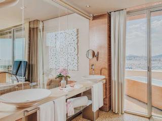 Cloud 9 Corner Suite Bathroom Aguas de Ibiza