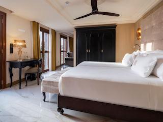 Santa Catalina Suite