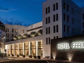 Hotel Fariones Entrance