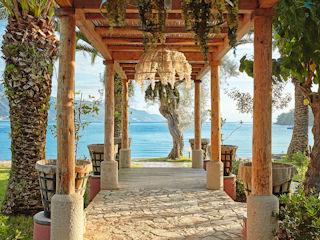 LUX ME Daphnila Bay Mandolato Beachside Bar