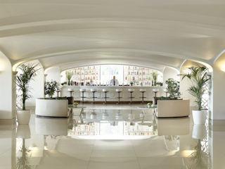 LUX ME Daphnila Bay Kiparrisi Terrasse Bar and Salon