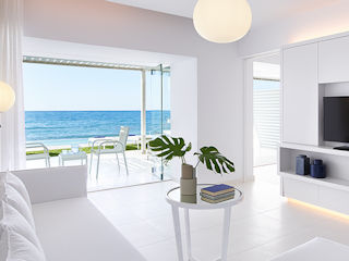 LUX ME White Palace LUX ME Yali Seafront Suite with Sharing Pool Sea View