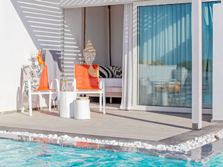 LUX ME White Palace LUX ME Swim-up Bungalow Sea View with Sharing Pool