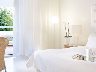 LUX ME White Palace Family Guestroom